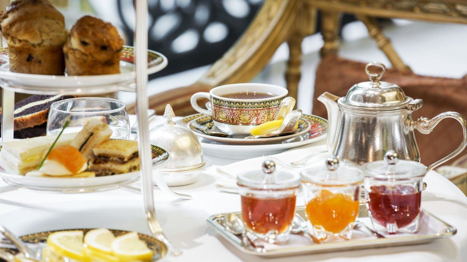 Winter-Garden-City-Lounge-High-Tea-Savory-snacks-all-day-lounge-Hotel-Grande-Bretagne-Athens