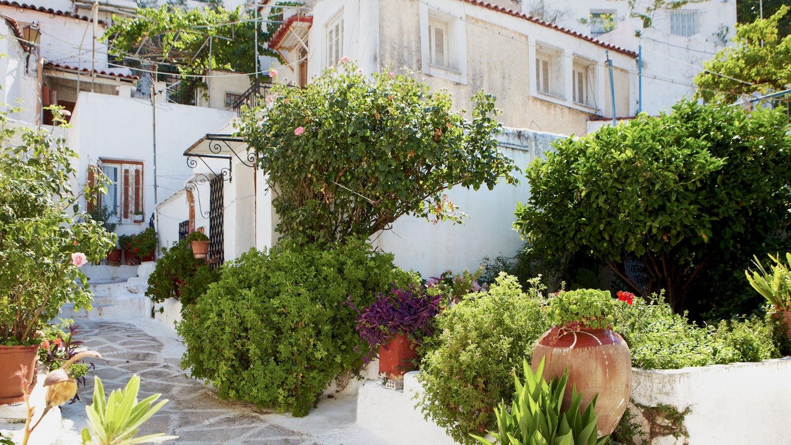 Plaka-Anafiotika-recommended by Hotel Grande Bretagne concierge