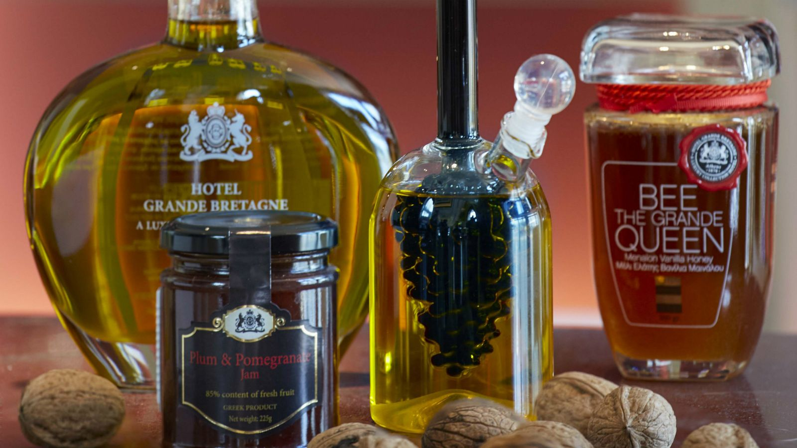 GB-Corner-Gifts-Flavors-concept-store_Greek-local-products-honey_oil_Hotel-Grande-Bretagne-Athens-Greece