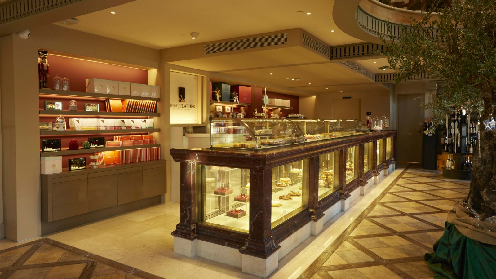 "=""GB-Corner-Gifts-and-Flavors-store-with-Arnaud-Larher-desserts-in-Athens-Hotel-Grande-Bretagne""/"
