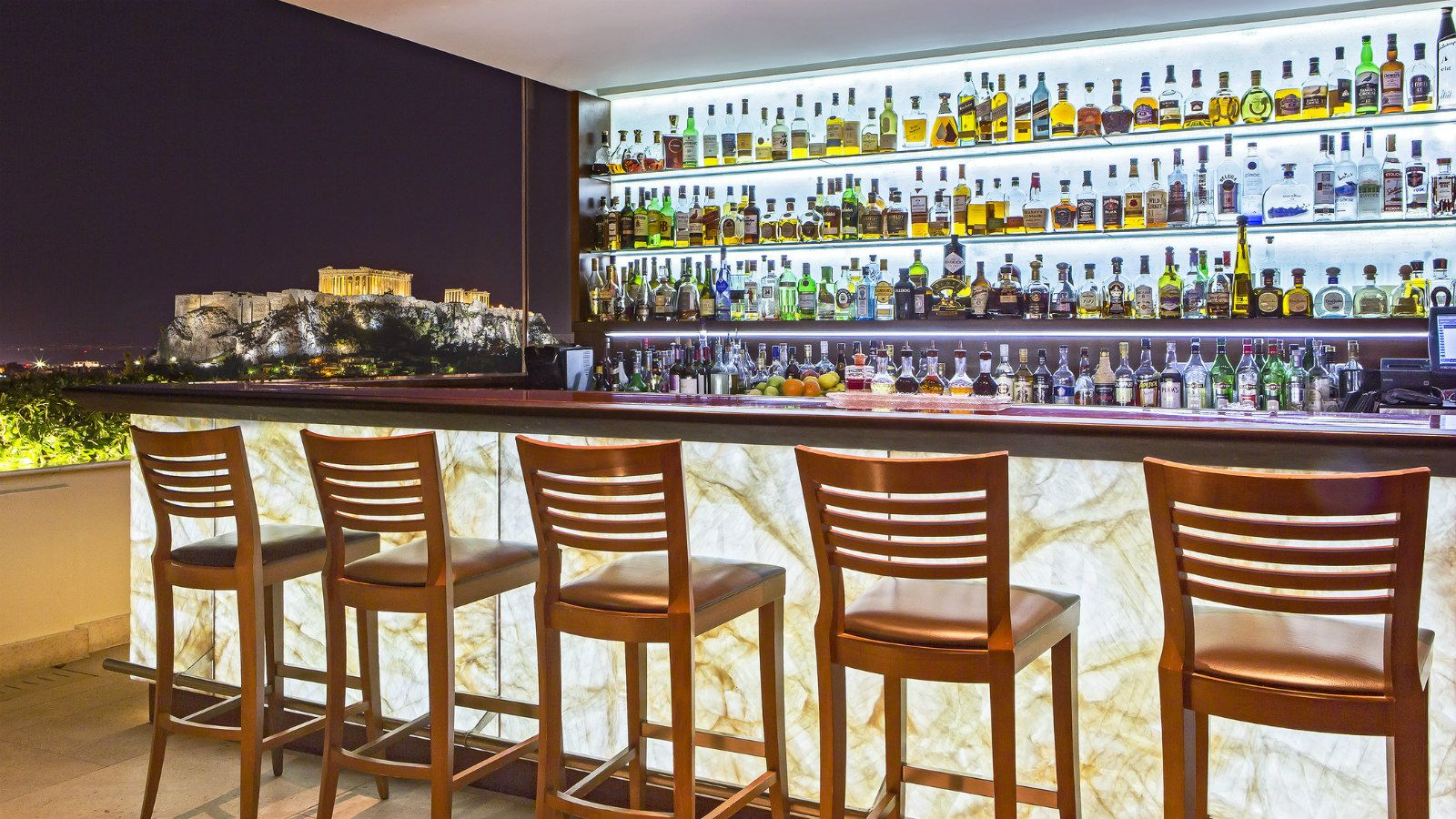 Restaurants and bars athens cuisine hotel grande bretagne for Designhotel athen