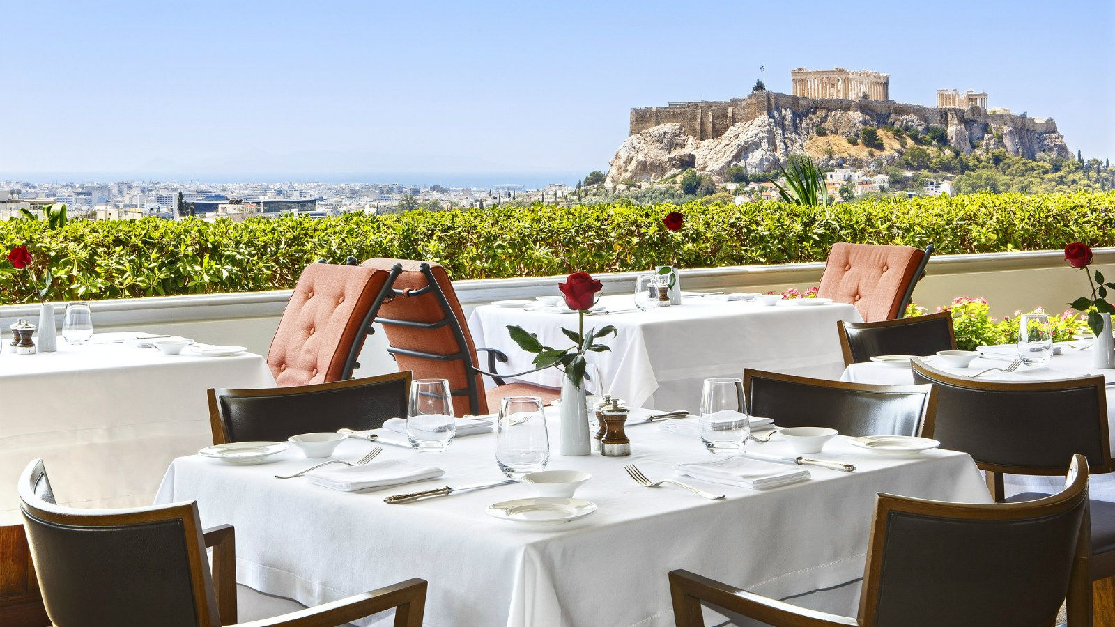 The GB Roof Garden Restaurant, serving breakfast, lunch and dinner with amazing views to the Acropolis - Hotel Grande Bretagne, Athens