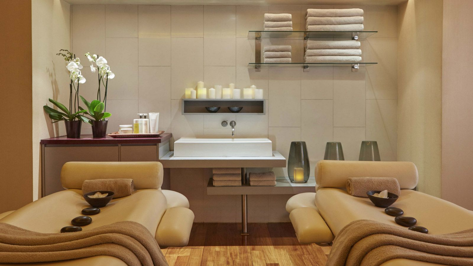 The Couples Suite at the GB Spa Athens is the ideal treatment room for two persons - Hotel Grande Bretagne