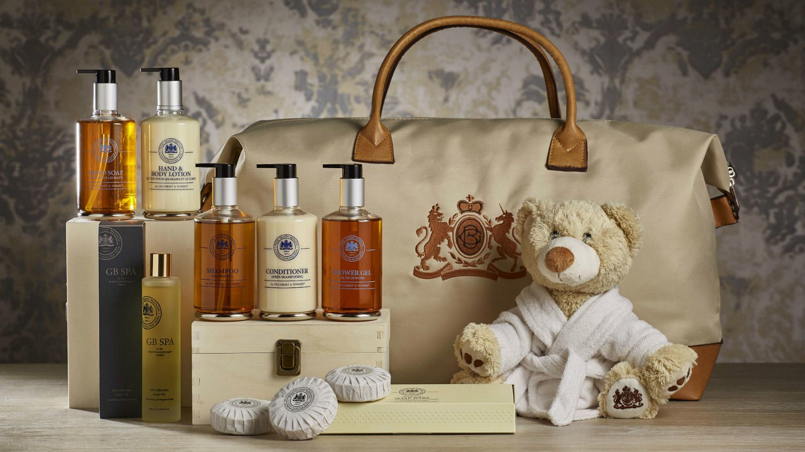 Gift-Hamper-Bath-GB-Corner-Gifts--Flavors-in-Athens-at-Hotel-Grande-Bretagne