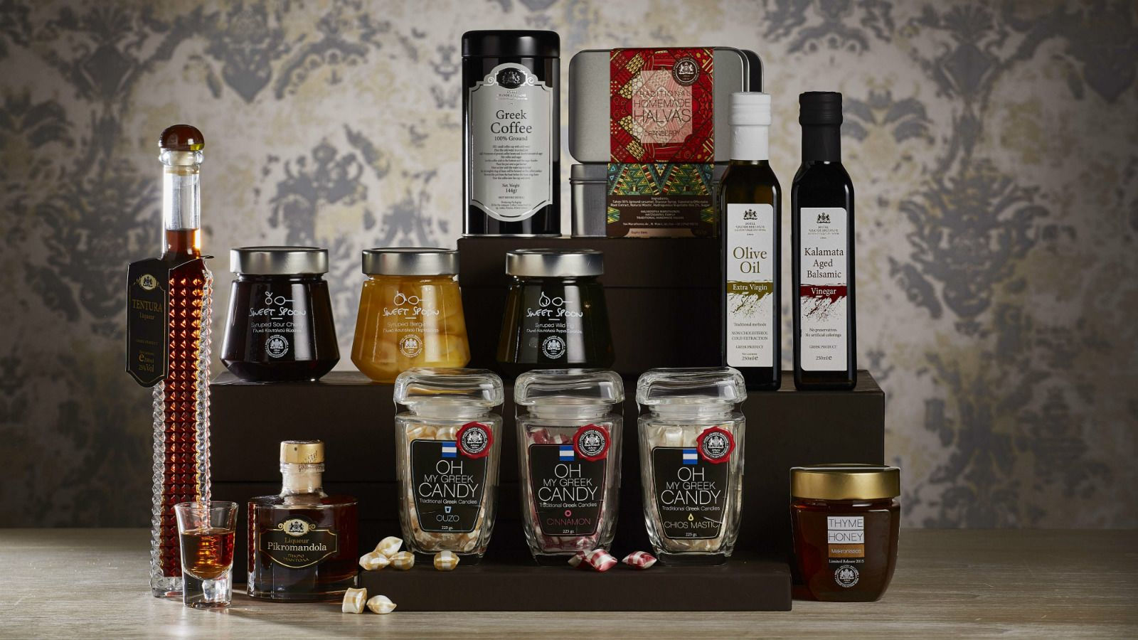 Gift-Hamper-Traditional-GB-Corner-Gifts-Flavors-in-Athens-at-Hotel-Grande-Bretagne