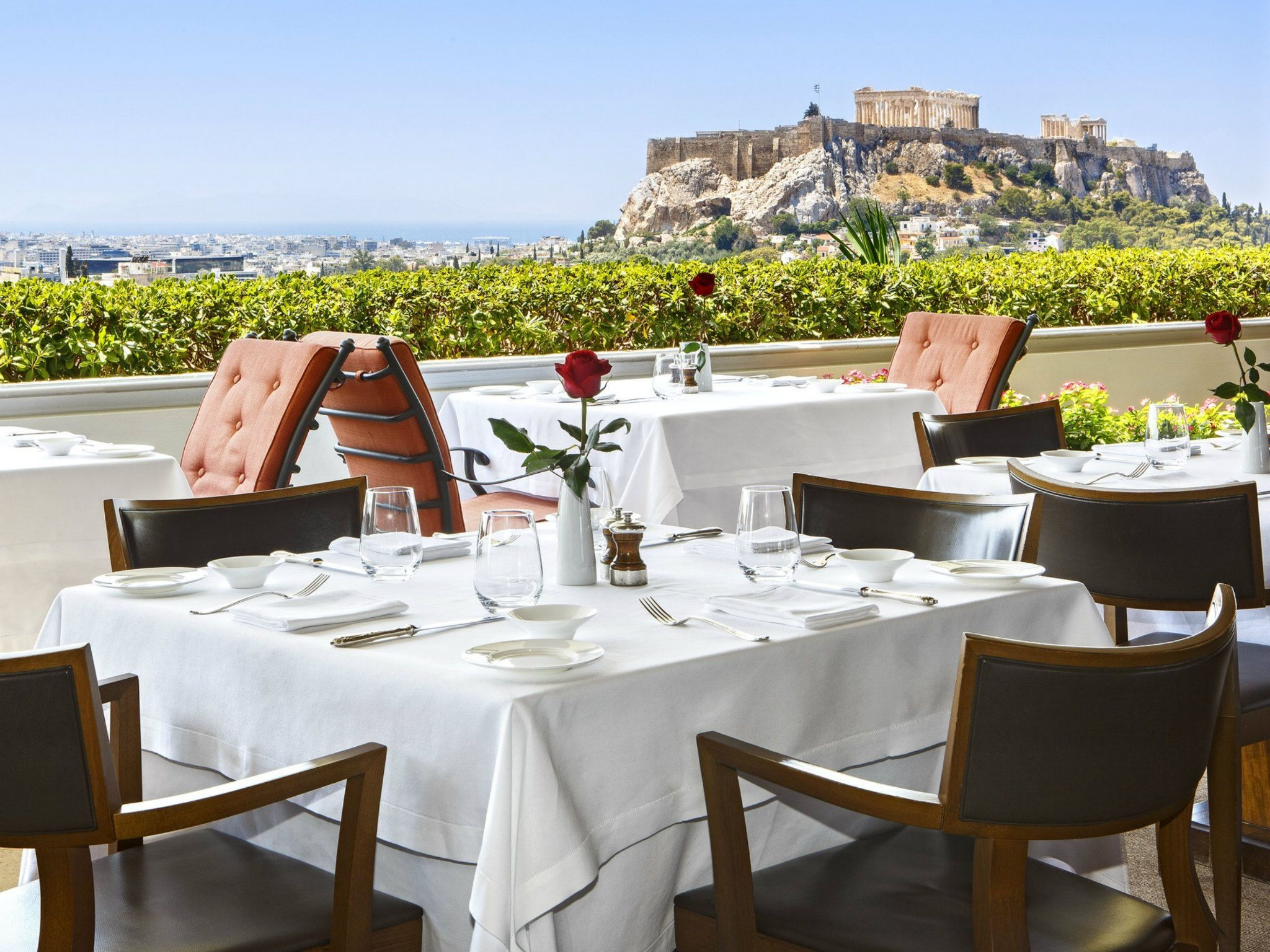 GB-Roof-Garden-Restaurant-at-Hotel-Grande-Bretagne-in-Athens-roof-top-view-to-Acropolis