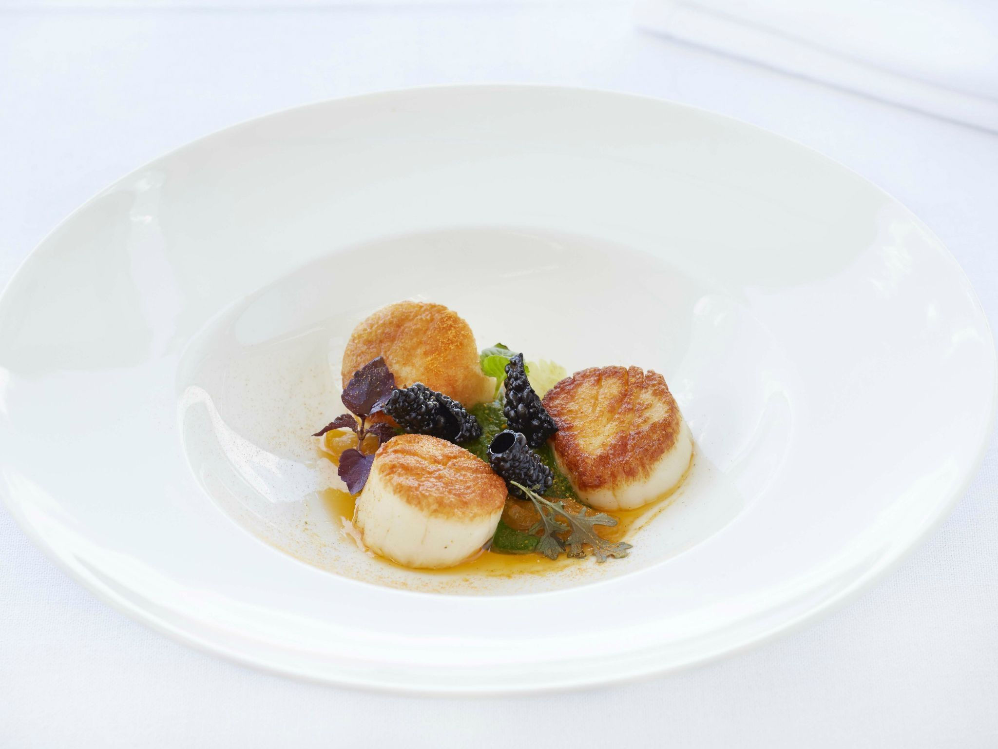 "=""Grilled-scallops-with-tandoori-pea-pure-with-coconut-milk-and-lemongrass-GB-Roof-Garden-Restaurant""/"
